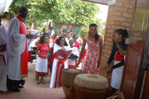 01A Chapel drum call to start servce