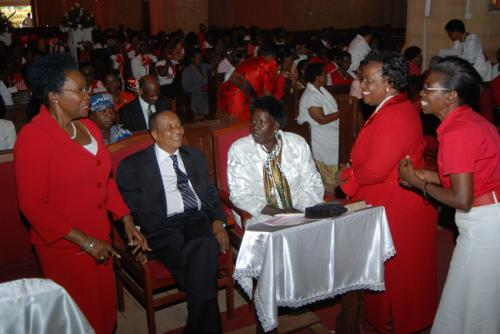 02A Congregation before start of the service
