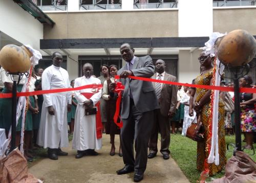 15.Classroom block PS cuts ribbon