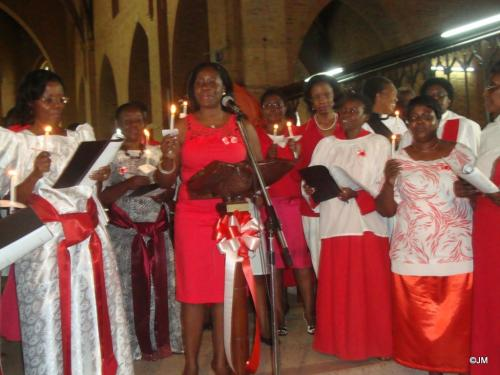 28 Dr. L. Mpanga Ssebuyiira leading the candle light song